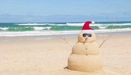 Christmas Snowman on the Beach_Medium__Comp