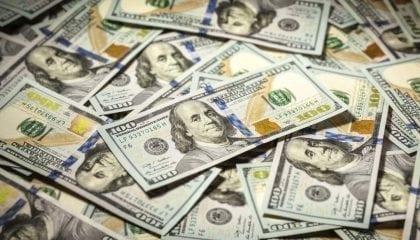 Money Hundred Dollar Bills_Medium__Comp