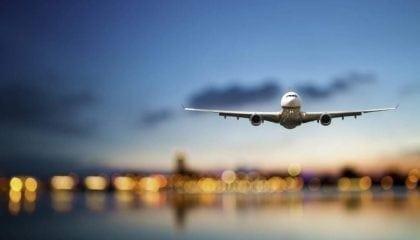 9644728c-62bb-4e84-afcc-87d1ab054015airplane_landing_medium__comp_w1024.jpeg