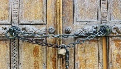 1bd04509-b52f-489c-9507-74d2ef4c59ddchain_locked_gate.jpg